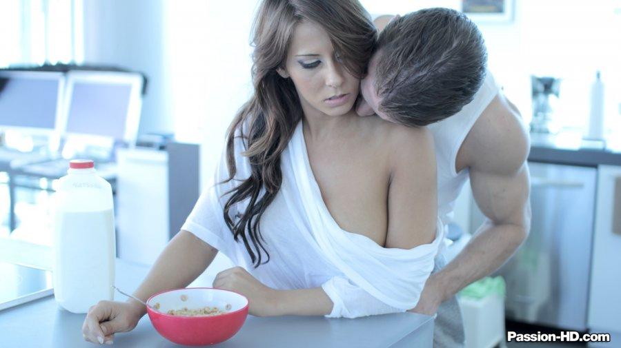 Breskfast in bed hd