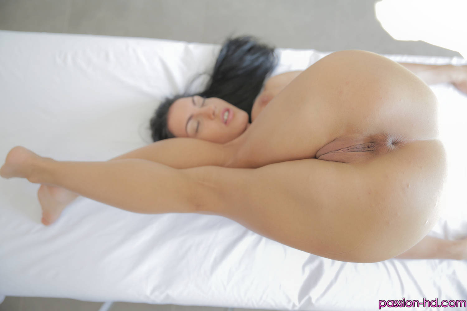 Passion Hd Honey Damon in A Good Rub Down 7