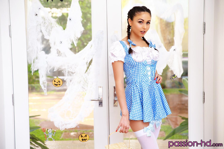 Halloween Hookup Ariana Marie